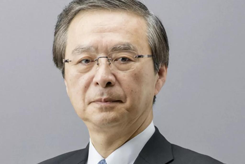 Das Bild zeigt Genyo Takeda, den Entwickler des Joysticks vom N64-Controller.